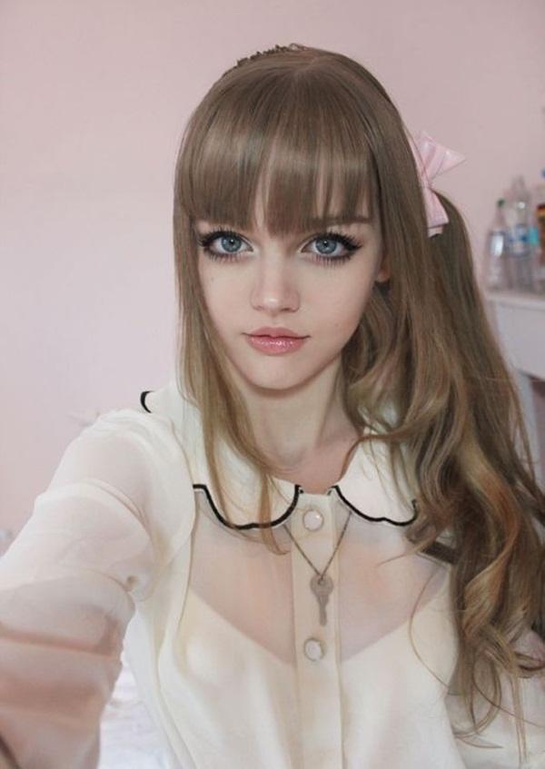 living-barbie-doll-dakota-rose- (7)