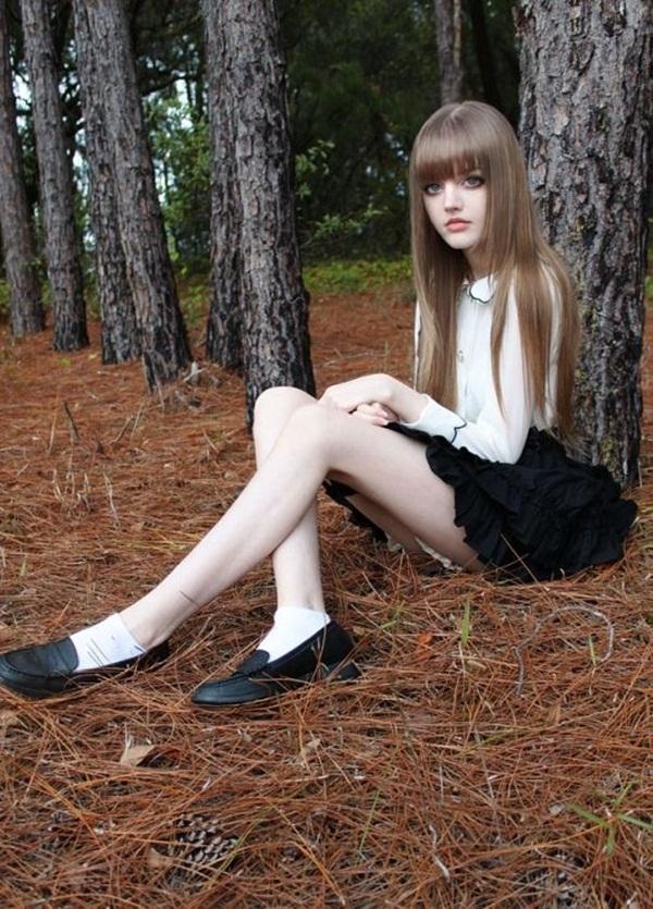 living-barbie-doll-dakota-rose- (10)