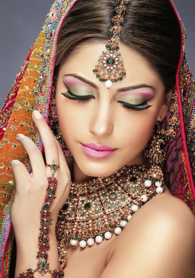 asian-bridal-makeup-12-photos- (12)
