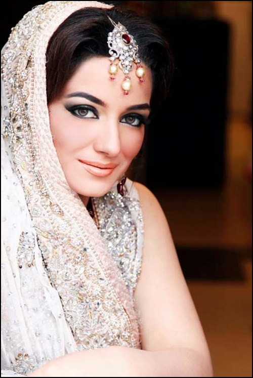 bridal-makeup-by-sabs-salon- (5)