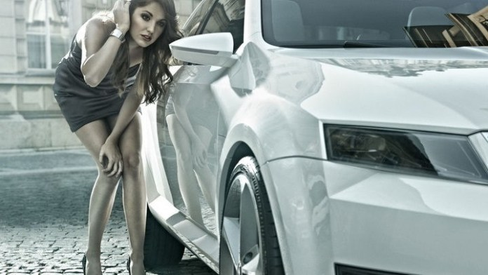 girls-with-exotic-cars- (4)