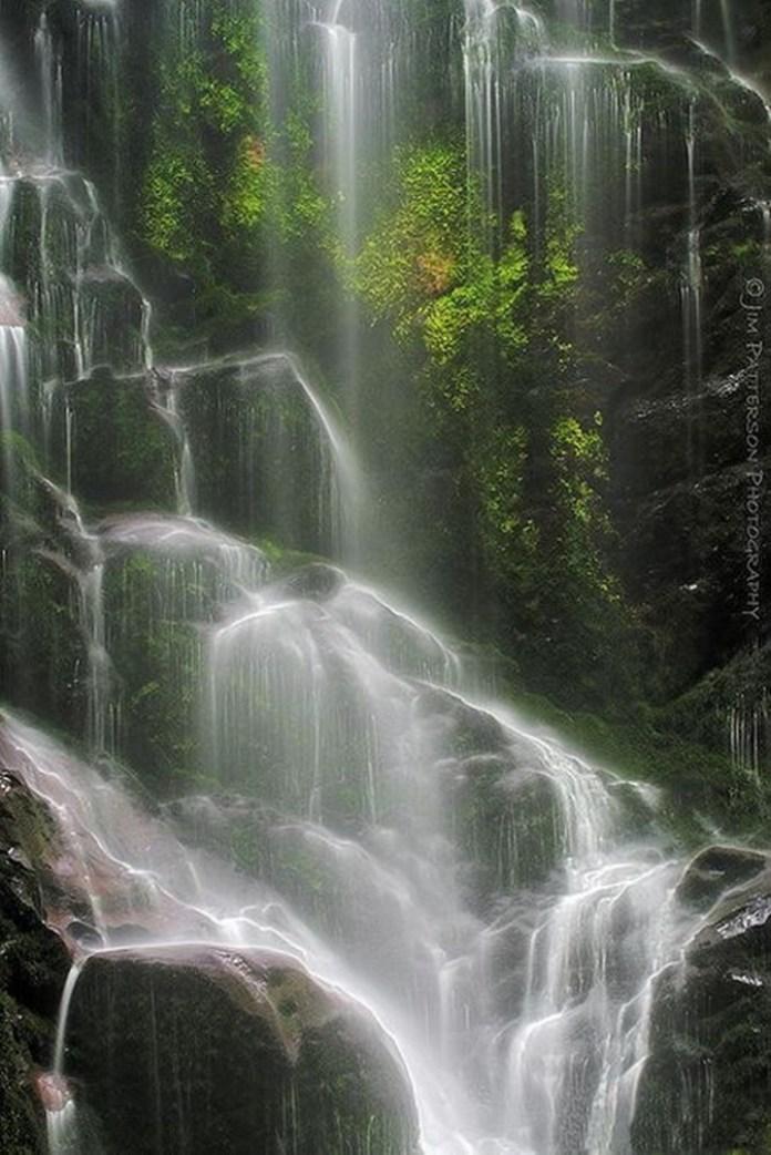 beautiful-waterfall-21-photos- (3)