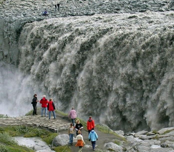 beautiful-waterfall-21-photos- (9)