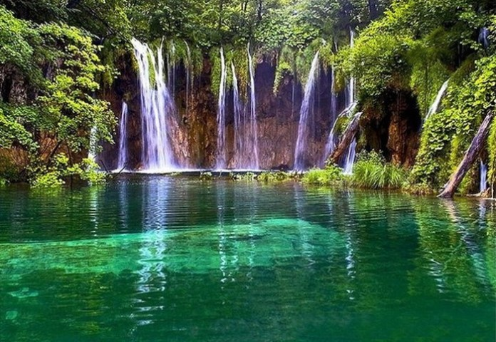 beautiful-waterfall-21-photos- (11)