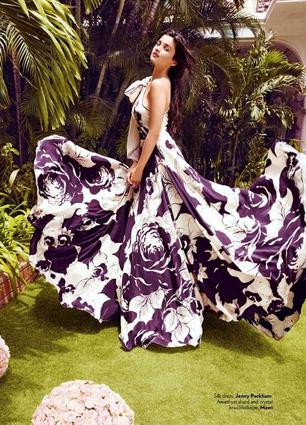 alia-bhatt-photoshoot-for-vogue-magazine-september-2012- (9)