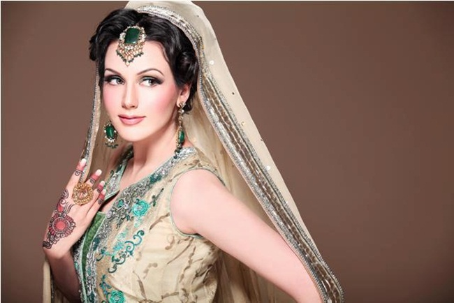 ayesha-akhtar-bridal-makeover- (3)