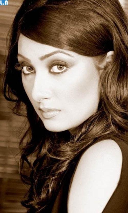 ayesha-khan-photos- (24)