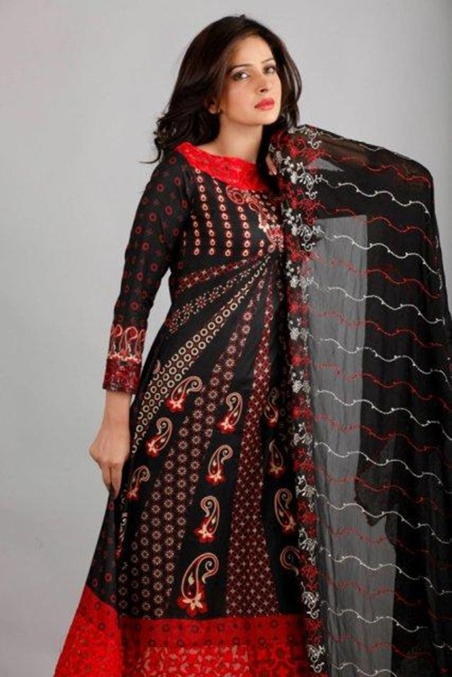 dawood-lawn-collection-2012-jami-motif-embroidery- (10)