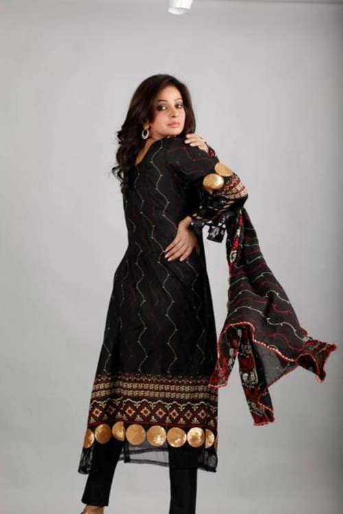dawood-lawn-collection-2012-jami-motif-embroidery- (20)