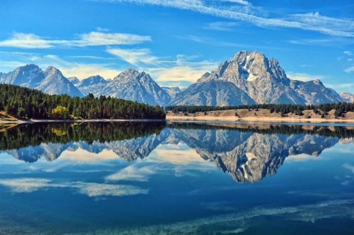 mountain-reflection-01