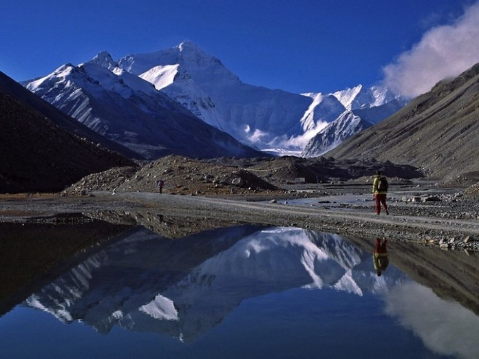 mountain-reflection-20