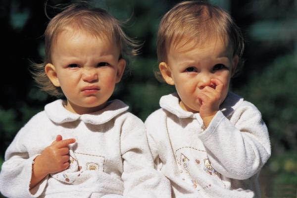 cute-twin-babies- (4)