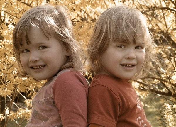 cute-twin-babies- (6)