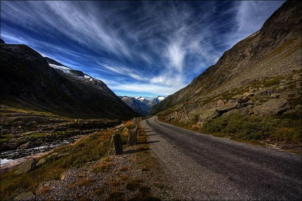 beautiful-roads-of-the-world- (25)