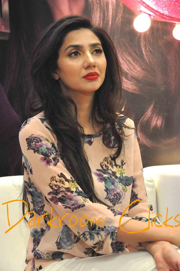 pakistani-actress-mahira-khan-photos- (3)