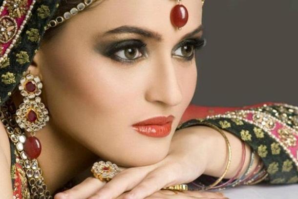 best-bridal-makeup- (1)