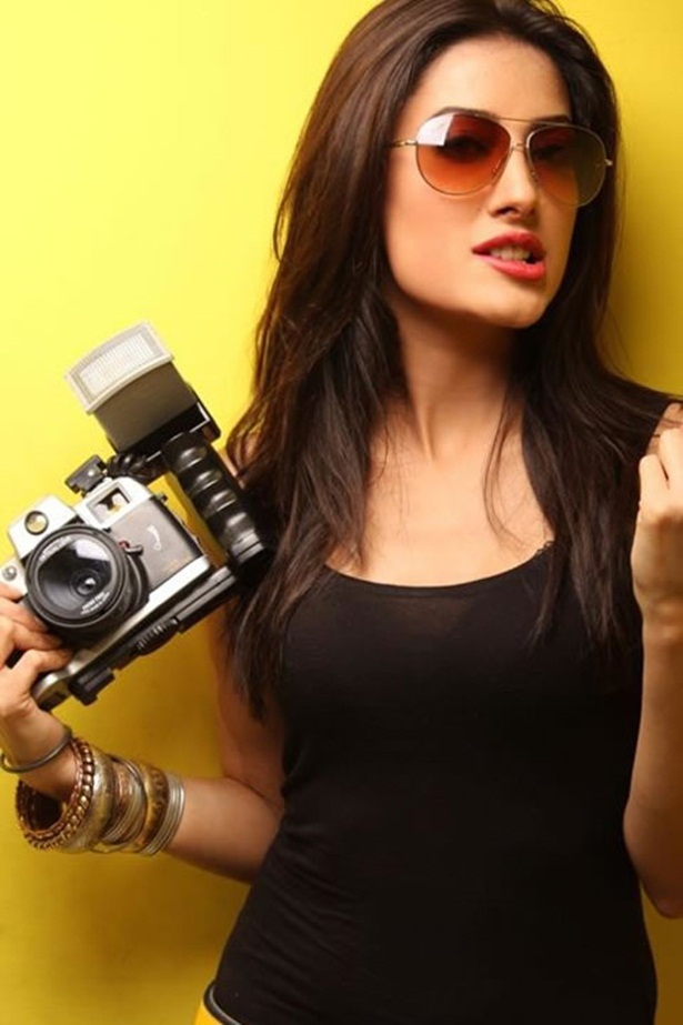 mehwish-hayat-new-photos-11