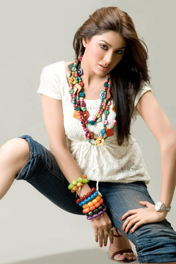 mehwish-hayat-new-photos-19
