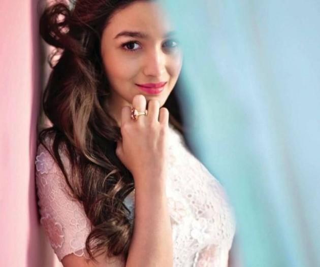 alia-bhatt-photoshoot-for-elle-magazine-january-2014- (7)