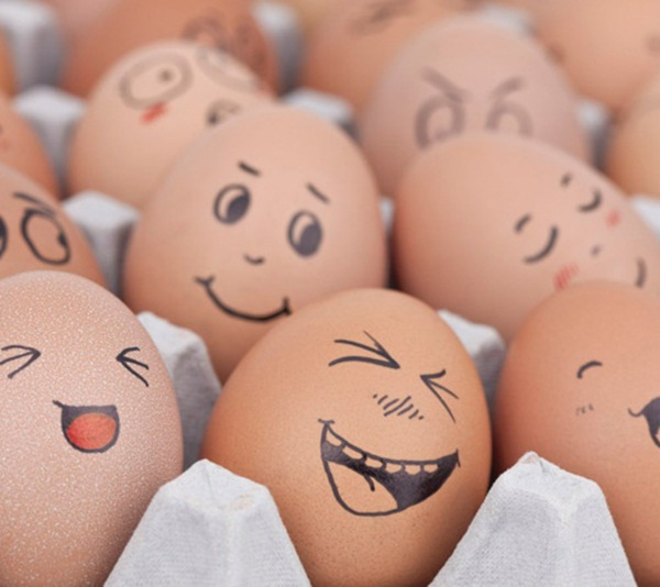 funny-eggs-expression- (2)
