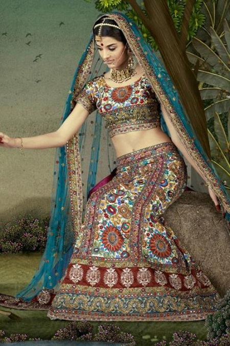 giselli-monteiro-in-indian-wedding-dresses- (1)