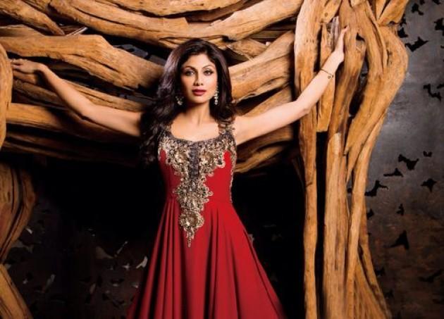 shilpa-shetty-photoshoot-for-hi-blitz-magazine-january-2014- (2)
