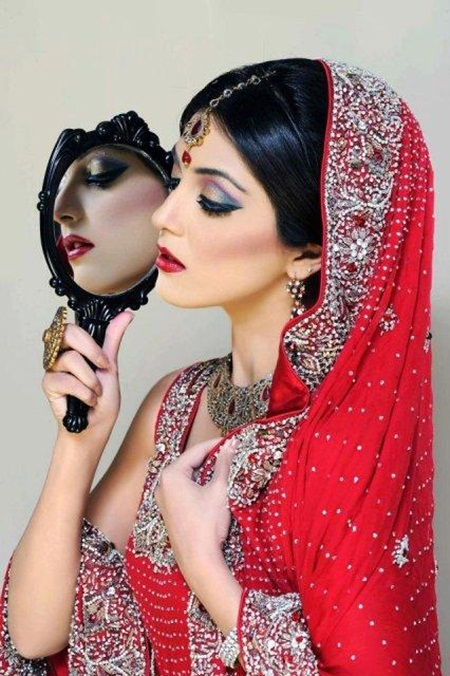 maya-ali-in-bridal-makeup-by-makeup-artist-khawar-riaz- (5)
