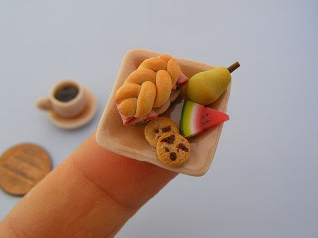 miniature-food-sculptures-by-shay-aaron- (13)