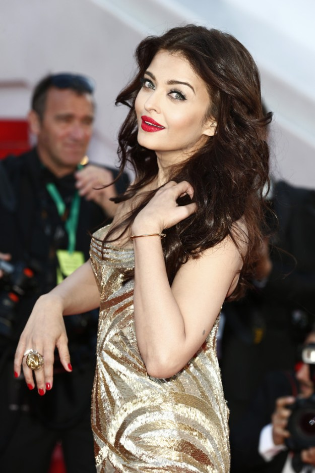 aishwarya-rai-at-cannes-film-festival-2014- (25)