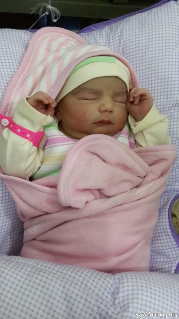 new-born-baby-aizab-31-photos- (10)