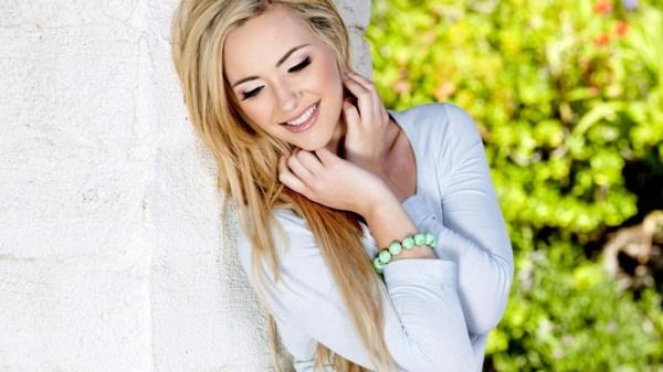 beautiful-girls-wallpapers-10-photos- (8)