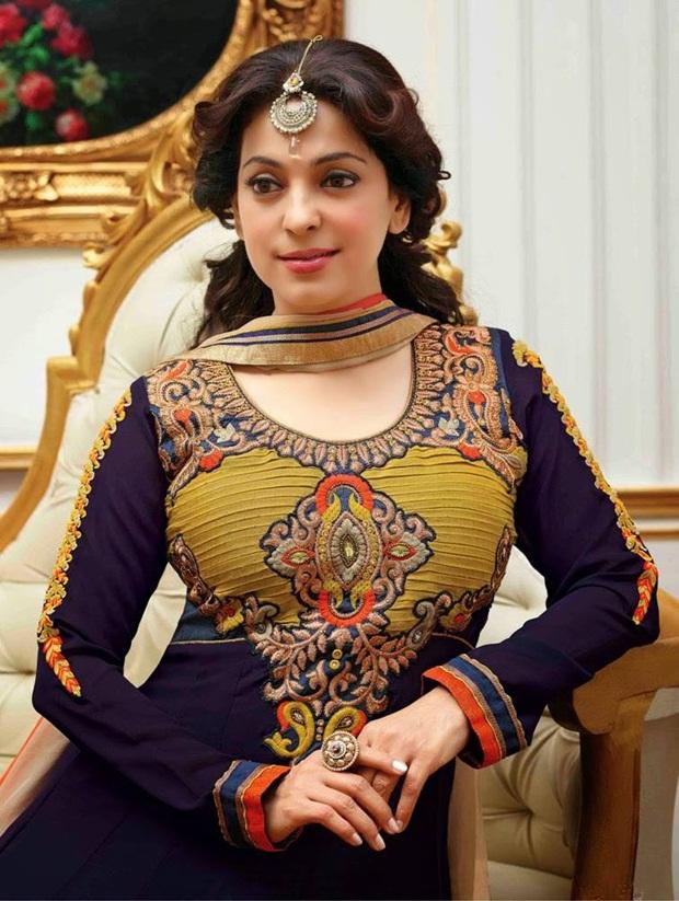 juhi-chawla-indian-party-wear-designer-dresses- (13)