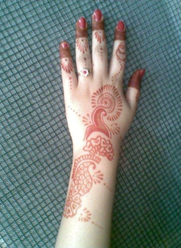 latest-mehndi-designs-for-eid-ul-adha-2014- (16)