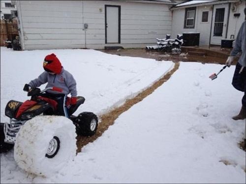 fun-with-snow- (18)