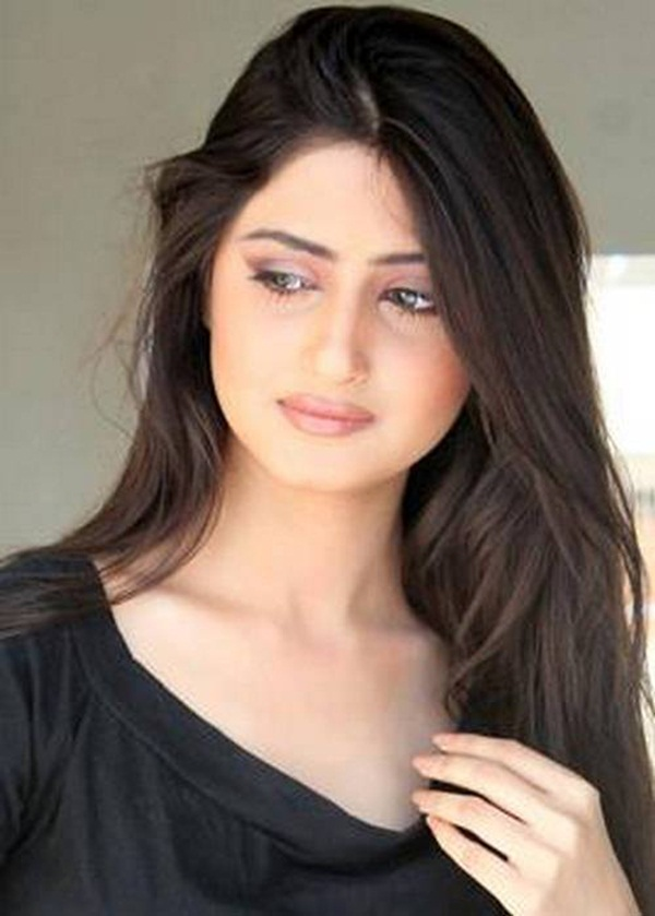 sajal-ali-photos- (15)