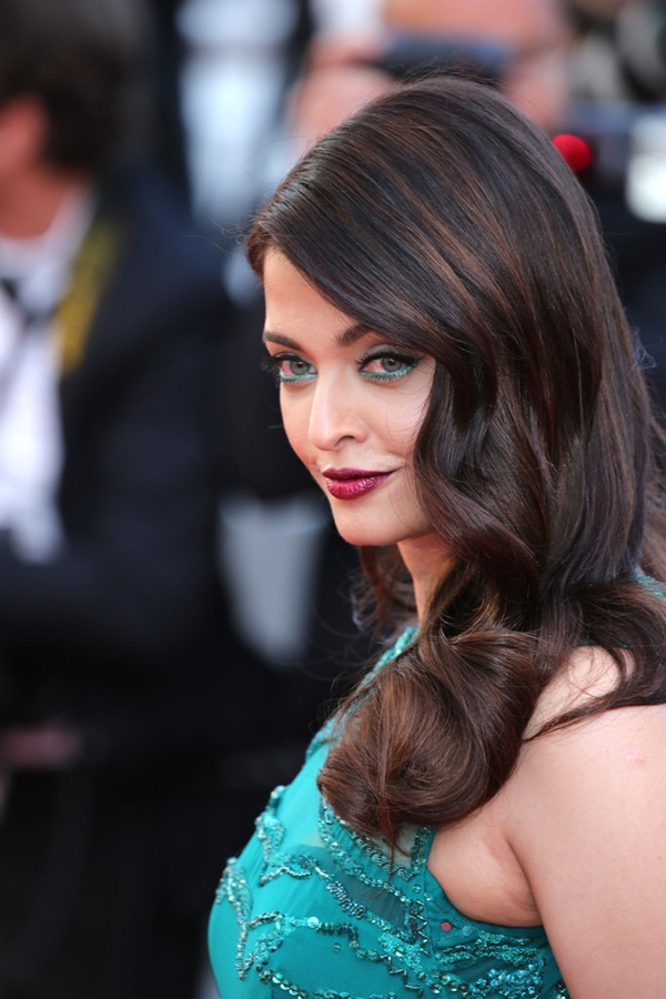 aishwarya-rai-at-cannes-premiere-of-carol-2015- (13)