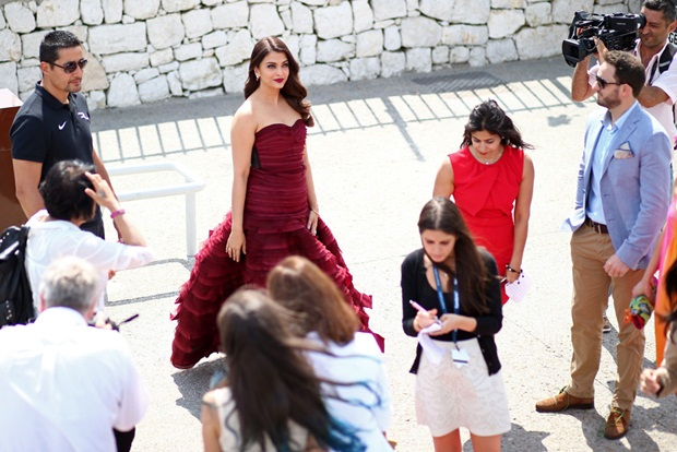 aishwarya-rai-promote-jazbaa-at-cannes-2015- (5)