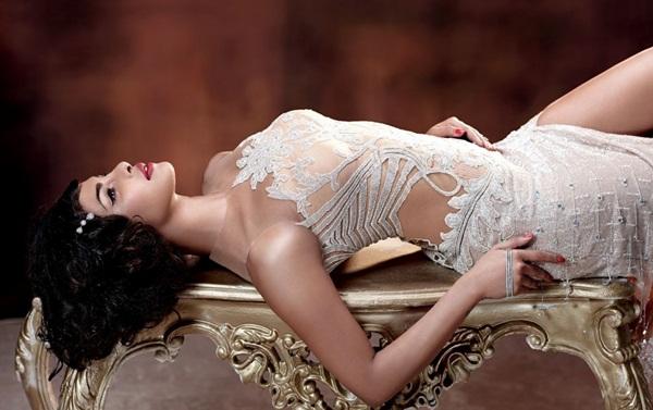 priyanka-chopra-photoshoot-for-hello-india-magazine-october-2015- (5)