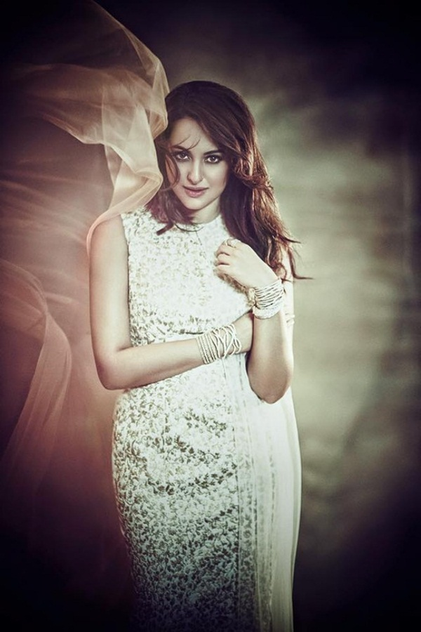 sonakshi-sinha-photoshoot-for-femina-magazine-october-2015- (6)