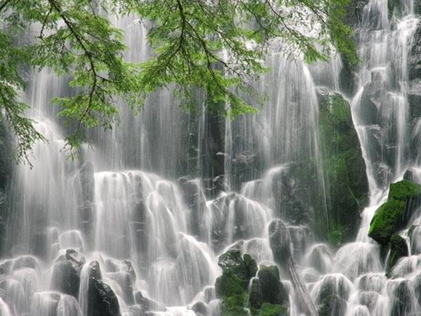 beautiful-waterfall-14-photos- (1)
