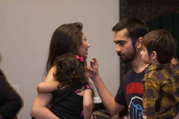 mahira-khan-family-photo-2