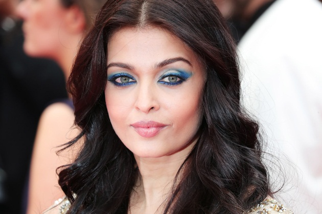 aishwarya-rai-in-cannes-2016- (11)
