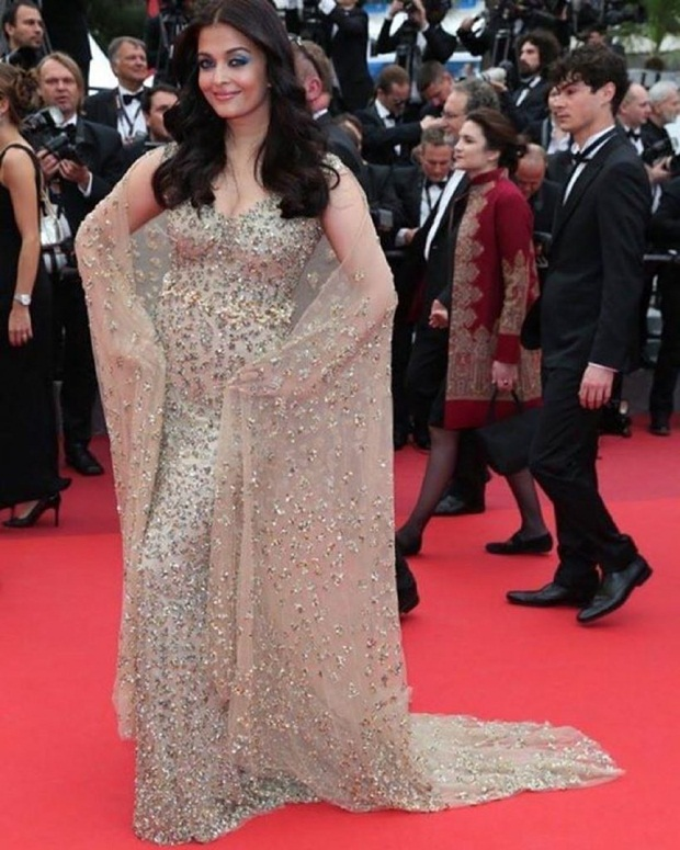 aishwarya-rai-in-cannes-2016- (15)