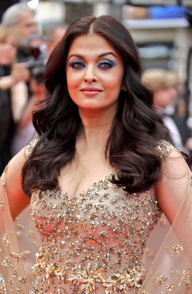 aishwarya-rai-in-cannes-2016- (18)