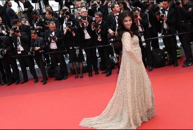 aishwarya-rai-in-cannes-2016- (24)