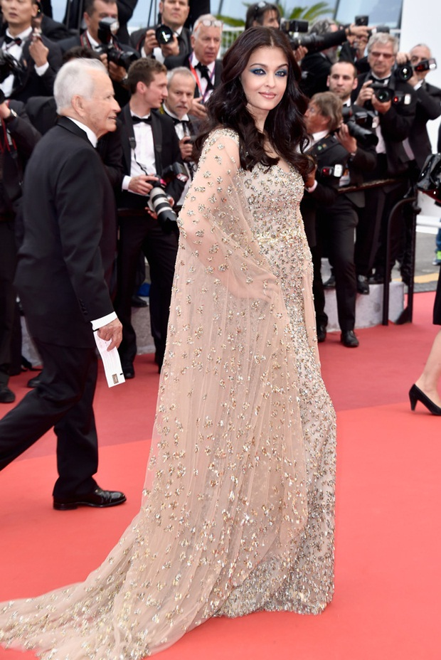 aishwarya-rai-in-cannes-2016- (28)