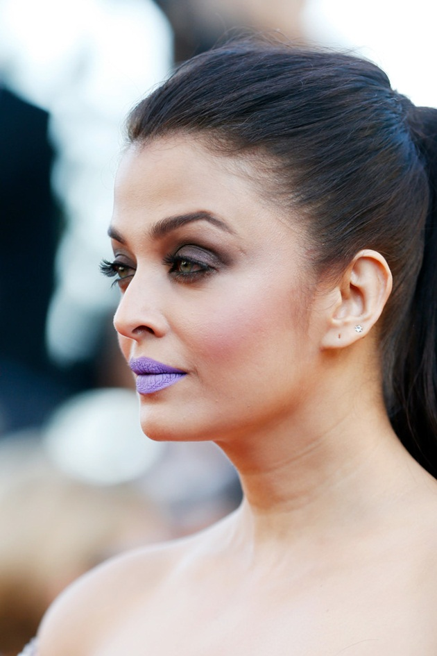 aishwarya-rai-in-cannes-film-festival-at-mal-de-pierres-premiere- (13)