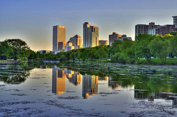 grand-buildings-reflected-in-water- (19)