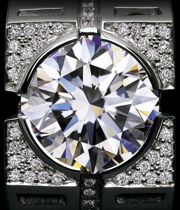 elegant-jewelry-with-precious-diamonds-and-stones- (22)