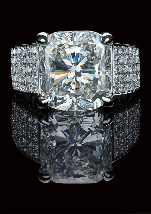 elegant-jewelry-with-precious-diamonds-and-stones- (26)